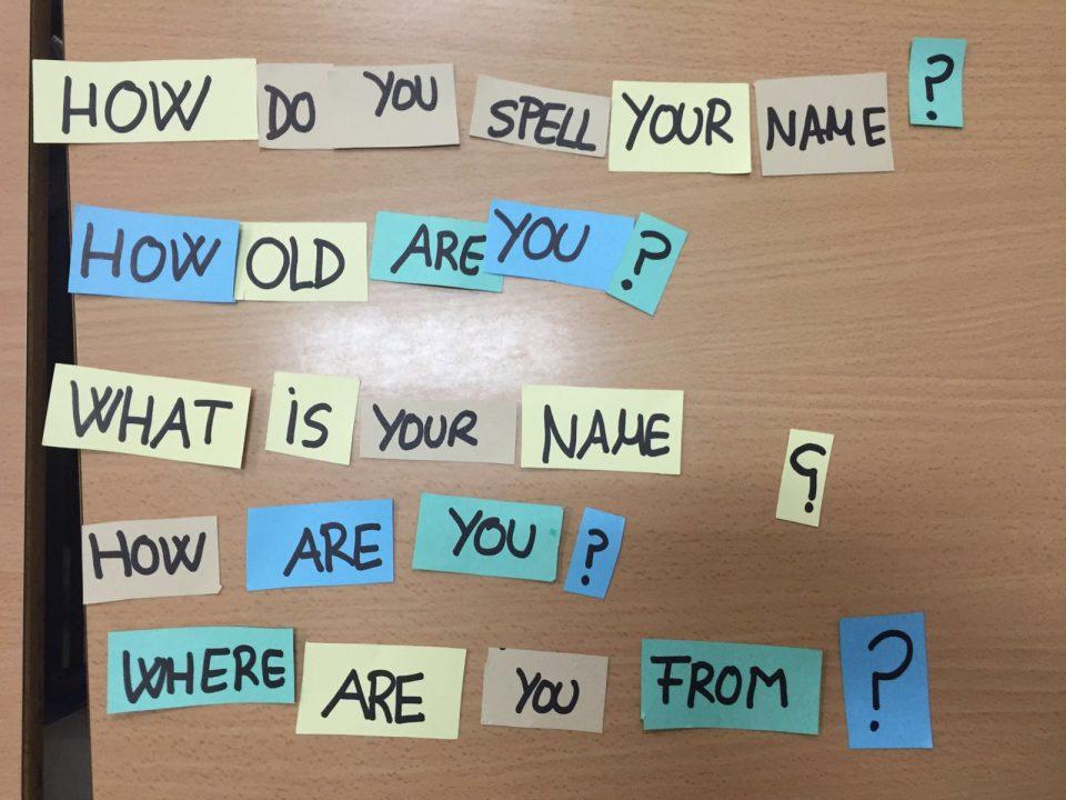 En Fundación Didáctica nos encanta enseñar a los alumnos como deletrear palabras para mejorar la pronunciación.